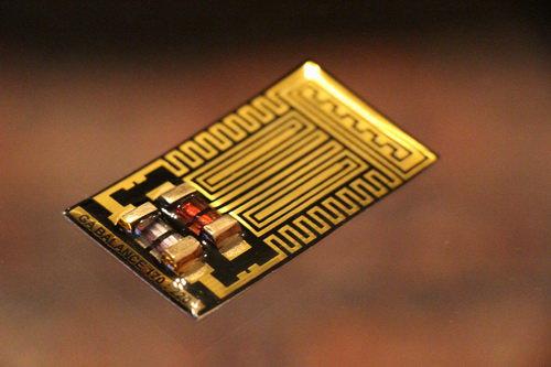 Биорезонансный модулятор на основе кристалла