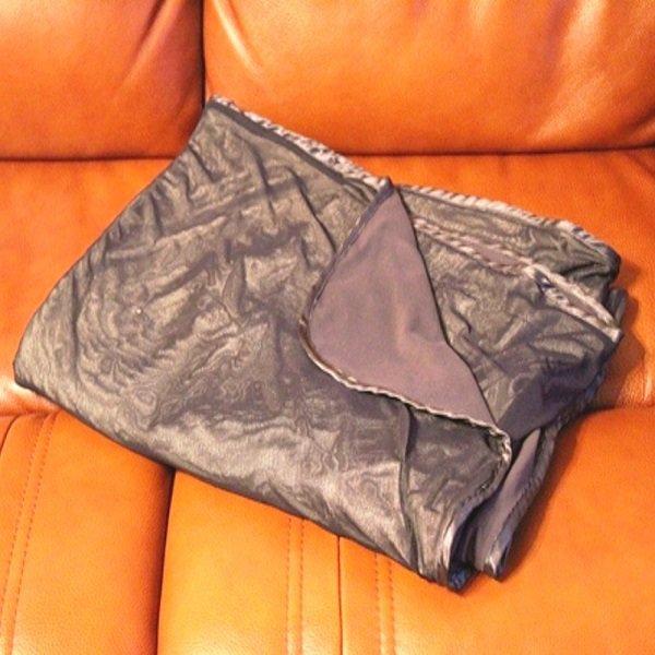 Экранирующее одеяло-плед «Silver Dreams». EMF ARMOR Foto - 7continent.com.ua